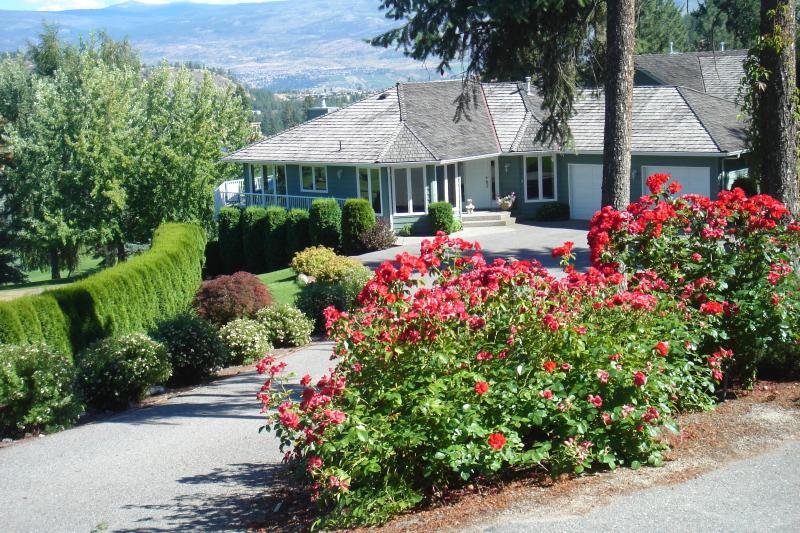 Outside of House - Shannon Lake Bed and Breakfast - Kelowna - rentals