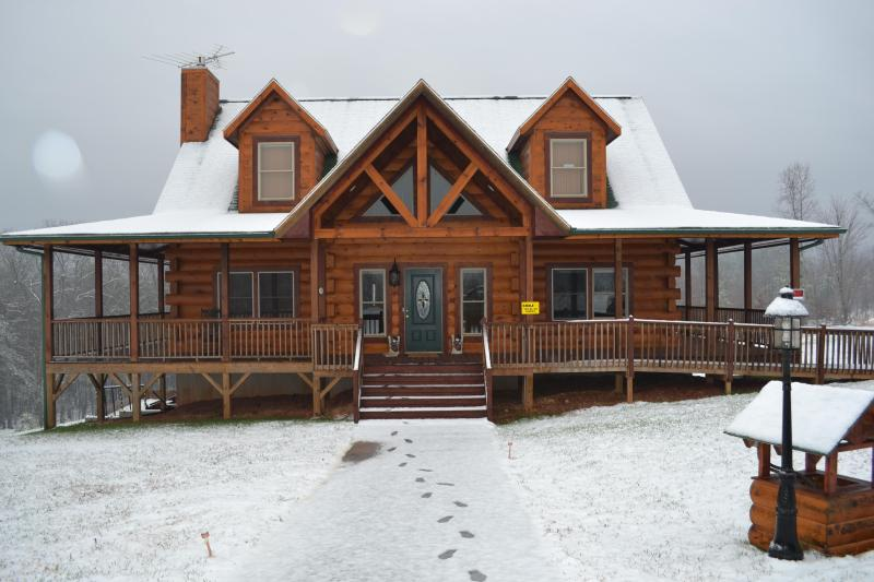 Snowy Mountain Christmas - Blue Range Ridge Family Resort - Winter Special! - Lake Lure - rentals