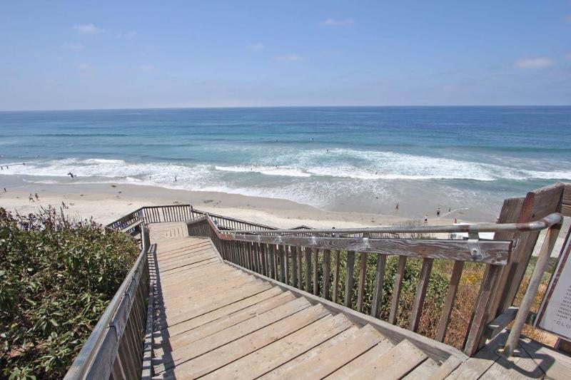 Steps to  fantastic Carlsbad State beach. - WALK  to Lifeguard Station # 28  on  Carlsbad State Beach - Carlsbad - rentals