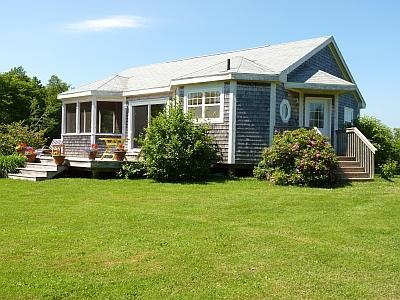 approaching theSummerhouse - Summerhouse at the Summer Garden - Argyle Shore - rentals