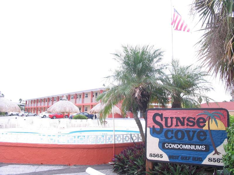 Sunset Cove - Treasure by the Sea  /    one or two bedroom's  av - Treasure Island - rentals