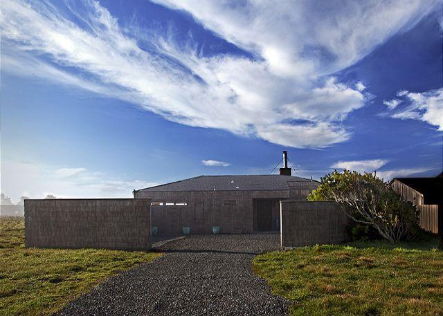 Front Driveway - Seale - Sea Ranch - rentals