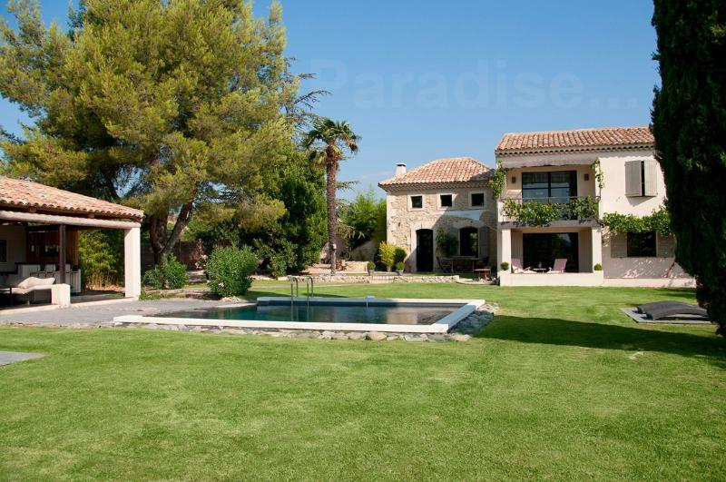 Coquette Cadenet villa rental in Provence, Cadenet France villa rental, holiday let in southern France, Provencal house for let Cadanet - Image 1 - Cadenet - rentals