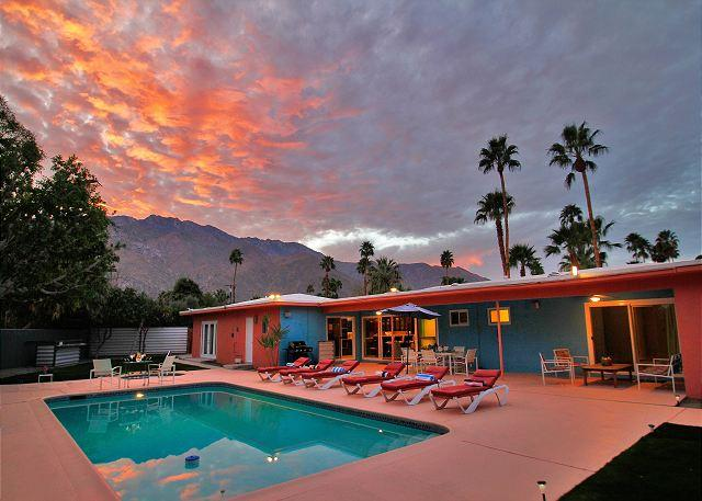 Hardy Park Hangout ~SPECIAL TAKE 20%OFF ANY 5NT STAY THRU 5/19 - Image 1 - Palm Springs - rentals