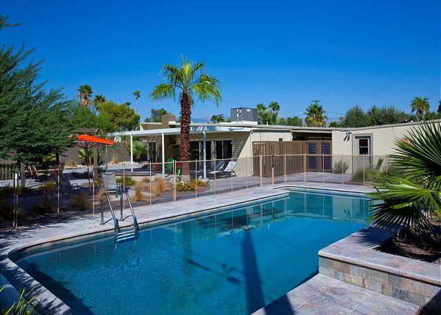 Pool - Paradise Palm ~ ALL INCLUSIVE 5NT SPEC (3/9-3/14 ONLY) $1425 - Palm Springs - rentals