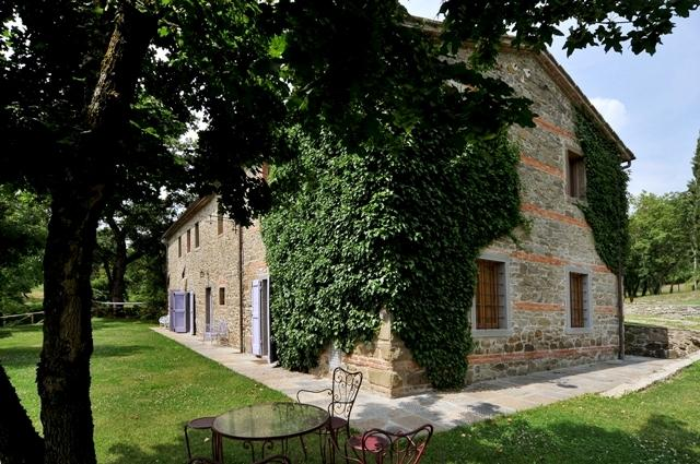 Large Farmhouse with Grounds and Pool in the Arezzo Area - Casa Felice - Image 1 - Capolona - rentals