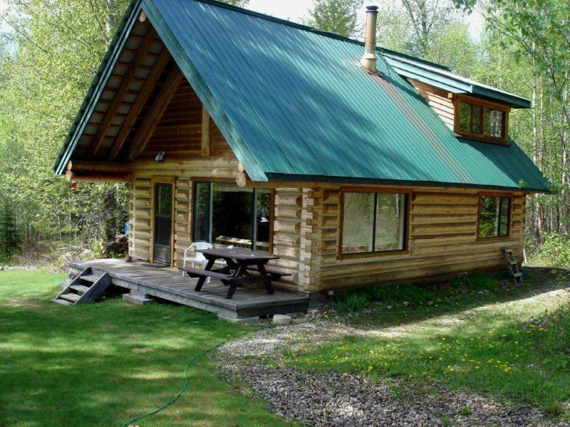 Wells Gray Park Cabins - Gateway Guesthouse - Image 1 - Clearwater - rentals