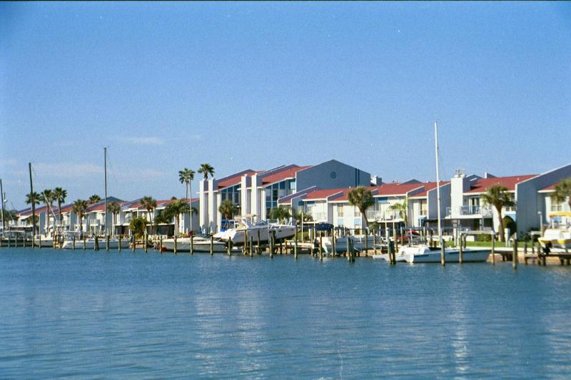 Madeira Beach Yacht Club - HAVE IT ALL, WITHOUT BREAKING THE BANK - Madeira Beach - rentals