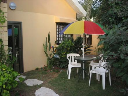 Entrance and garden patio - Garden suite near beach  Herzlia Pituach - Herzlia - rentals
