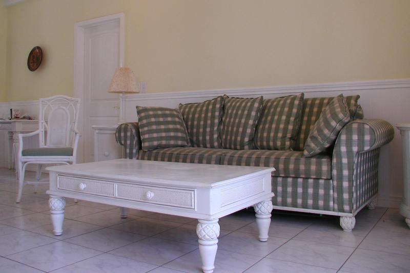 The living area divides the two bedrooms - Deluxe  Ocean View Condominium-Playa Azul, CR - Marbella - rentals