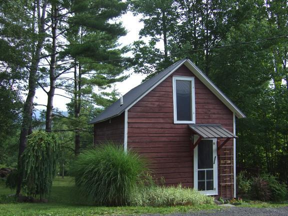 Cabin exterior - Private Cottage with Stunning Mountain Views - Woodstock - rentals