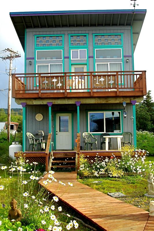 The Sea Gypsy Cottage: 2 bed, 2 bath, near beach - Image 1 - Homer - rentals