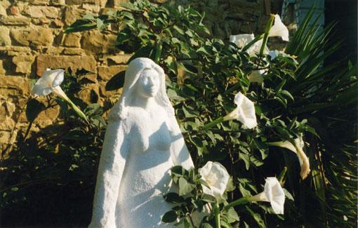 "The ""Umbrian Madonna"" is protecting Countryhouse Villa La Rogaia Umbria, Lake Trasimeno - Il Peperino 2 bedroom apartment Lake Trasimeno - Passignano Sul Trasimeno - rentals"