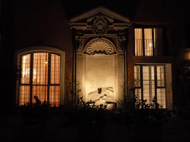 Property view at night from courtyard - Orsetto 3be3ba bright cosy quiet 150m Pza Navona! - Rome - rentals
