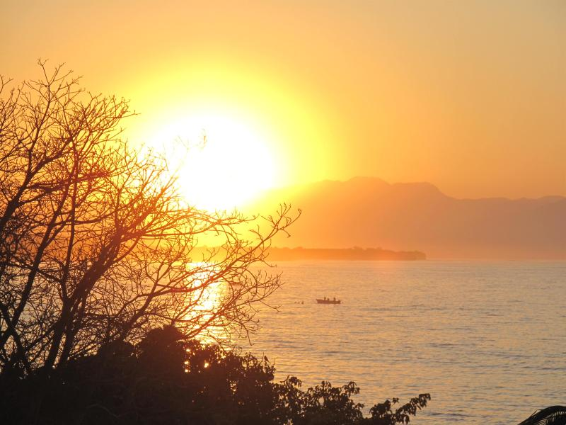 Sunrise from HDM 206 Patio - Feb Only $500 p/nt • ON the Beach • Premier Club • Cook/Hskpr 8 hrs - 7days/week - Punta de Mita - rentals