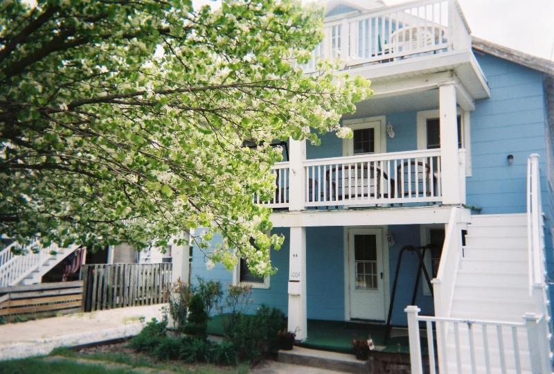 May-June Specials - 3Br OCEANBLOCK Condo @11th St - Image 1 - Ocean City - rentals