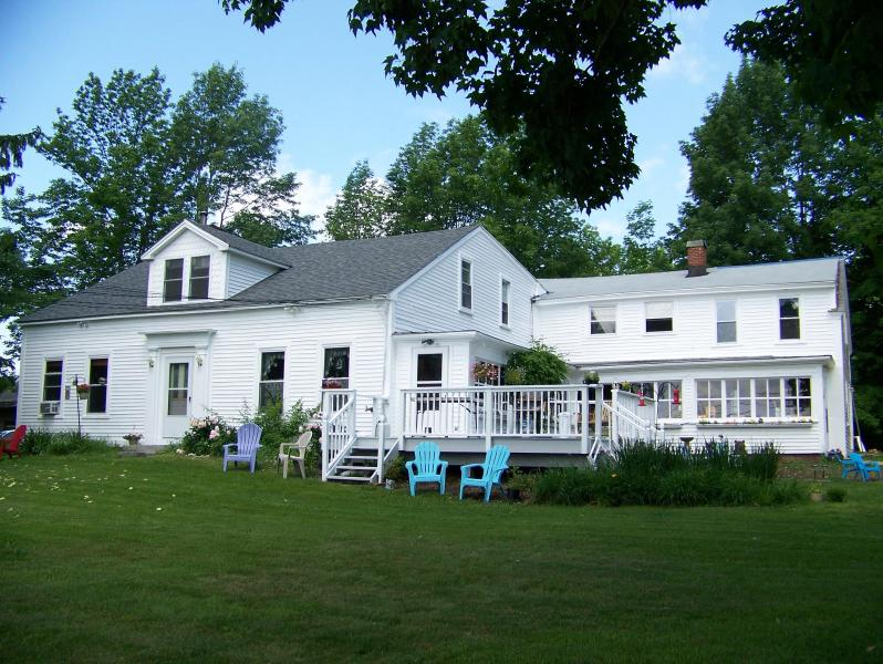 Maple Grove Farmhouse - West Wing in Country Farmhouse, Private, Romantic - Barre - rentals