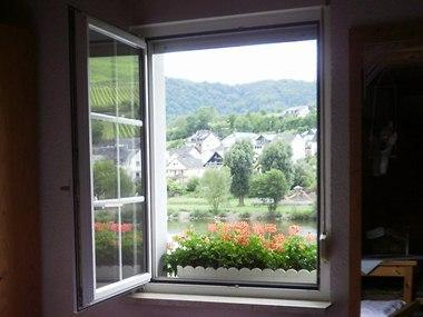 Studio apartment - Mosel River window view - My Europe Base, Zell, Mosel River, Rhineland - Zell (Mosel) - rentals