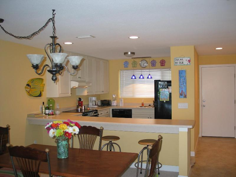 Kitchen / Dining Area - Needle Rush Point Unit B-22 - Pensacola - rentals