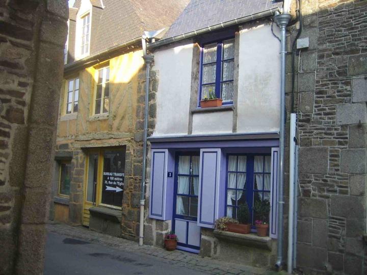 Maison Violette - Romantic Cottage Near Mont St Michel & Saint Malo - Bazouges-La-Perouse - rentals