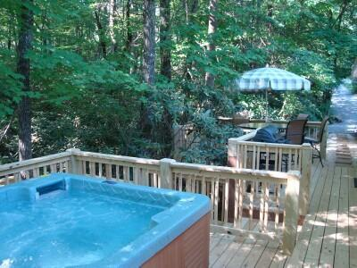 The Romantic Twin Creek Cottage is nestled beside a lush Rhododendron Forest; Stairs lead to Creek - Secluded Twin Creek/Hot Tub/King/MassageChair/WiFi - Asheville - rentals