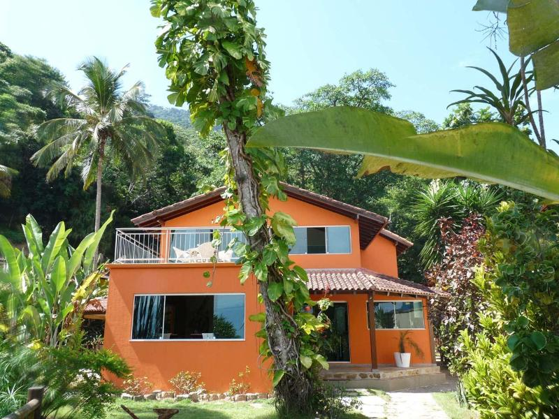 Beach house  - Front 50 m to the beach - 4 Bdrm  House, Ilha Grande, Vila Abraao, RJ Brazil $60 per person, sleeps 11 - Vila do Abraao - rentals