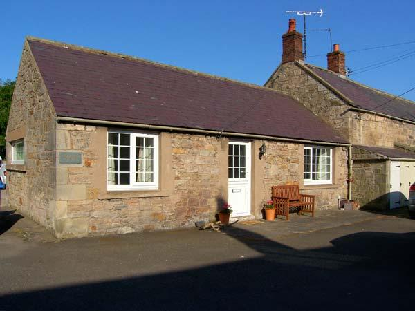 BLOOMFIELD COTTAGE, romantic, country holiday cottage, with open fire in - Image 1 - Powburn Near Alnwick - rentals
