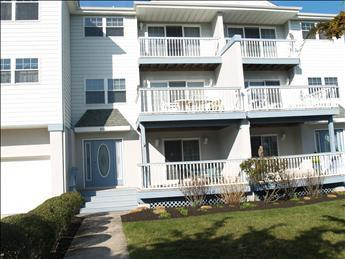 Property 100825 - Gorgeous Condo in Cape May (100825) - Cape May - rentals