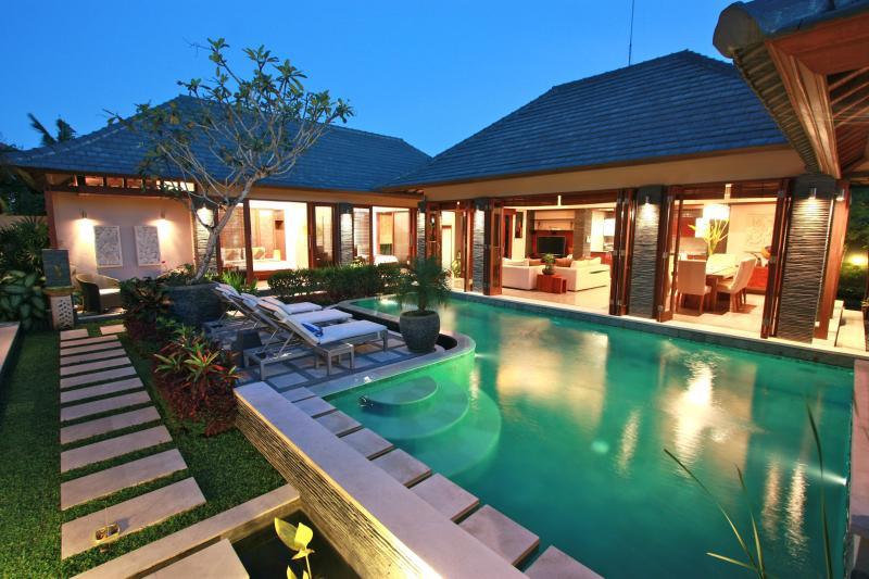 Villa Di-Bucu  at night - Villa Di-Bucu-TripAdvisor Award Winner 2011 & 2012 - Canggu - rentals