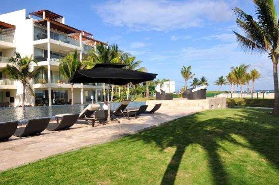 """Coco Beach – Deluxe 2 Bed -2 Bath """"EGH11"""" - Image 1 - Playa del Carmen - rentals"""