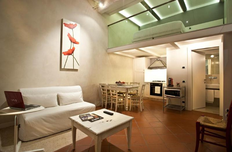 Cadrega Rossa - LE CADREGHE  in Verona's historical centre - Verona - rentals
