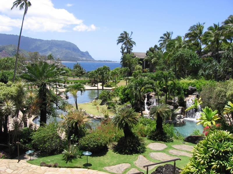 Lagoon-shaped pool Bali Hai in the background - Paradise you can afford-Hanalei Bay Resort 1105 - Princeville - rentals