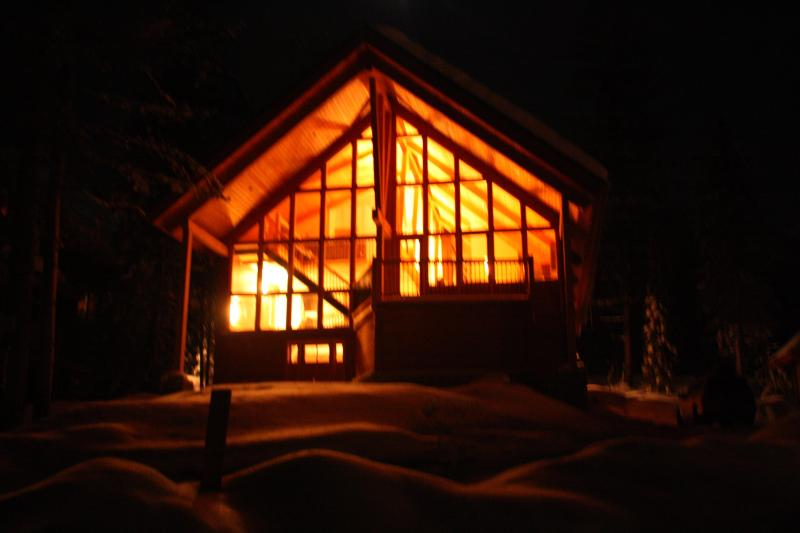 Welcome to Dogtooth Vista - illuminated at night. - Dogtooth Vista at Kicking Horse Mountain Resort - Golden - rentals