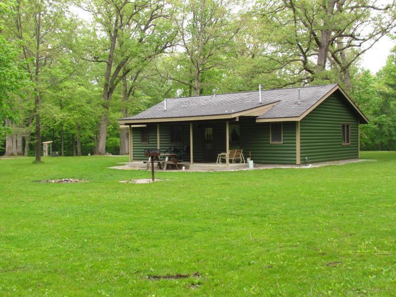 Illini Cabin outdoor photo - Kishauwau Cabins near Starved Rock Utica IL Illini - Utica - rentals