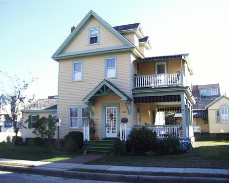 Main House - 2nd/3rd Floor Apartment - Victorian Condo in Cape May - Cape May - rentals