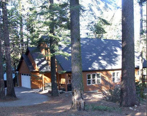 Beautiful year round, in the high Sierras - Natal Granite Retreat for large groups, Wi-Fi - Shaver Lake - rentals