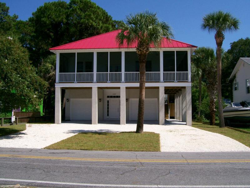 1210 Jones Avenue - Flip Flop Paradise  Tybee Island, Georgia - Tybee Island - rentals