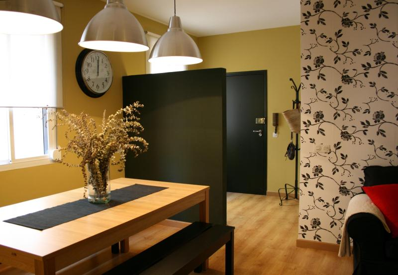 Entrance - Beautiful Apt at Gracia, 4 min. PASSEIG DE GRACIA - Barcelona - rentals