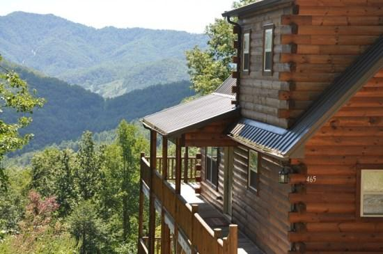 Sun Eagle Lodge, Bryson City, NC - Sun Eagle Lodge –Spectacular View - Loaded with Amenities and Relaxation. Three Decks, Hot Tub, Wi-Fi, Grill. The Perfect Escape! - Bryson City - rentals