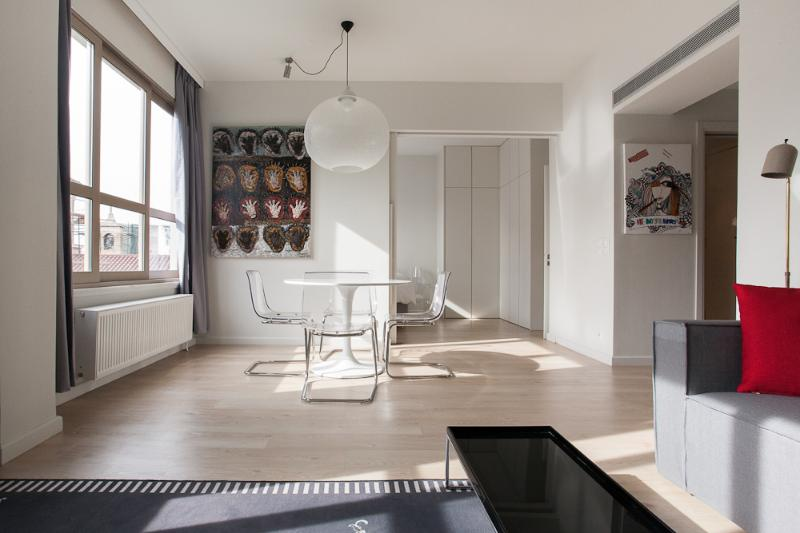 Living room with art work - Stylish apt, amazing views, next to Plaka, sleeps - Athens - rentals