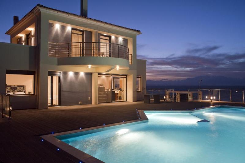 Luxury villa in Crete by the sea - Luxury seafront villa in Crete+pool+sauna+gym - Chania - rentals