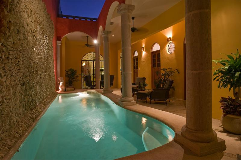 Welcome,  Huge stone fountain, terrace, and private pool - Spacious, Convenient , Memorable,  CASA ESPLENDIDA - Merida - rentals