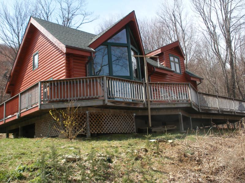 Prow-front log cabin - Secluded Log Cabin, Gorgeous views, Hot tub! - Banner Elk - rentals
