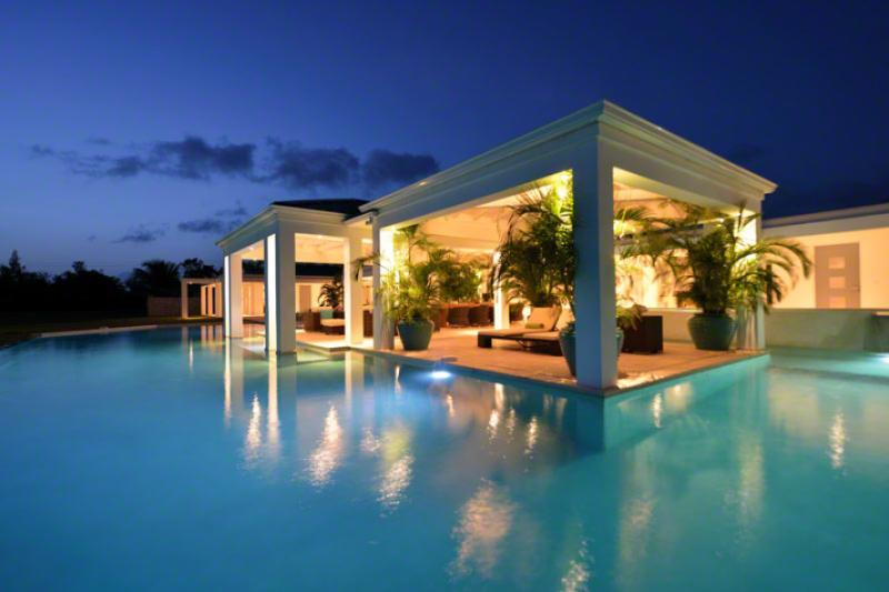 Ambiance...Terres Basses, St Martin - AMBIANCE...Fabulous with a capitol F!! Huge bed and bathrooms, the PERFECT couples villa - Terres Basses - rentals