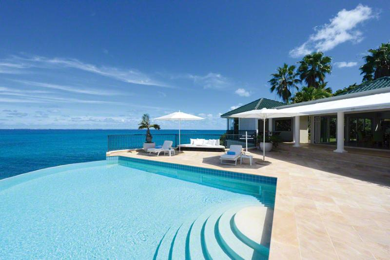 La Dacha...Terres Basses, St Martin 800 480 8555 - LA DACHA... Luxurious 5 bedroom oceanfront villa estate perfect for Entertaining Family or a Group of Friends! - Baie Rouge - rentals
