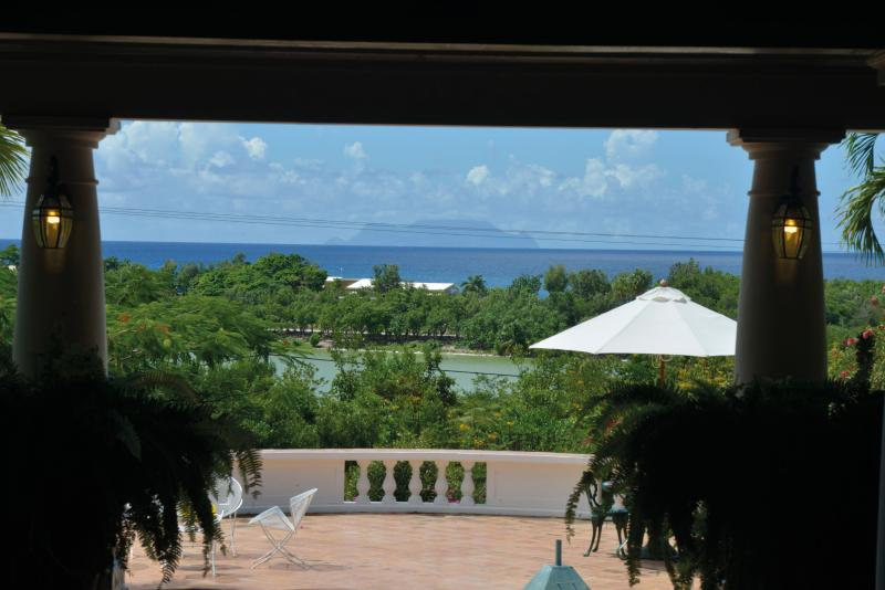 LES ZEPHYRS... casual, confortable3 BR family villa, gorgeous gardens! - Image 1 - Terres Basses - rentals