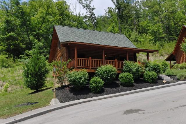 A GREAT SMOKY HIDEWAY - Image 1 - Sevierville - rentals