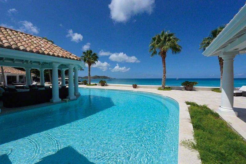 Petite Plage V... Grand Case, St Martin  800 480 8555 - PETITE PLAGE V... Stunning New Ultra Deluxe Beachfront Estate on St Martin! - Grand Case - rentals