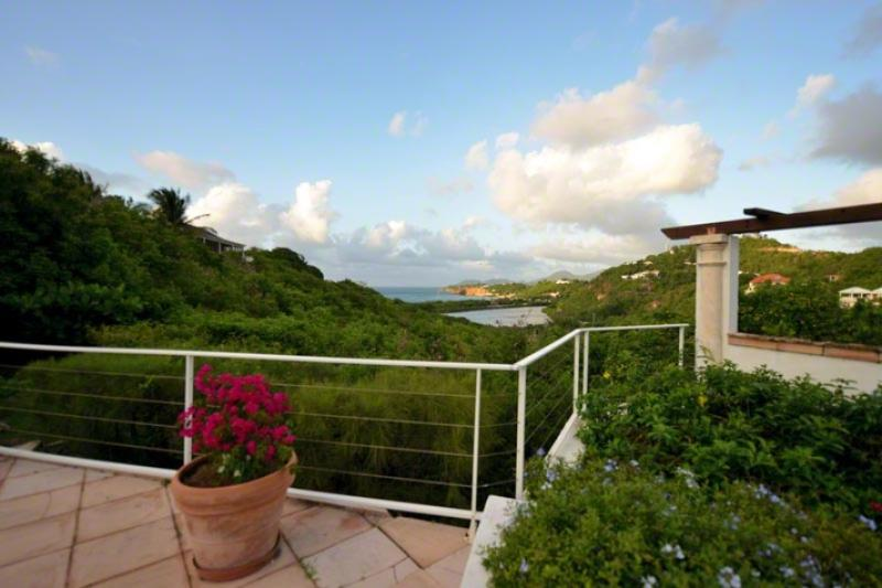 TURQUOISE... lovely, comfortable villa with spectacular views! - Image 1 - Terres Basses - rentals