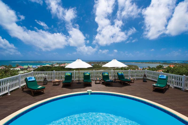 MANGO...amazing views of Orient Bay Bay, St. Martin - MANGO... 4 BR ... amazing views of Orient Bay await you...enjoy! - Orient Bay - rentals